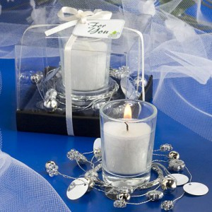 Exquisite Silver Wreath Design Candle Holders