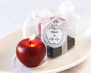 """Apple of My Eye"" Mini-Candle in Gift Box with Ribbon and Tag"