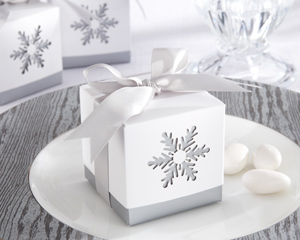 &quot;Winter Dreams&quot; Laser-Cut Snowflake Favor Box (Set of 24)