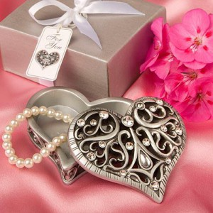 heart wedding favors