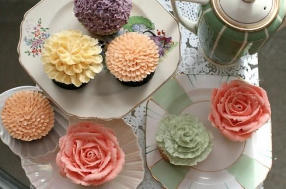 Mismatched Flower Cupcakes for Wedding