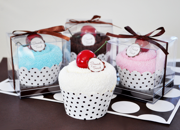 """Sweet Treat"" Towel Cupcakes  wedding favors"