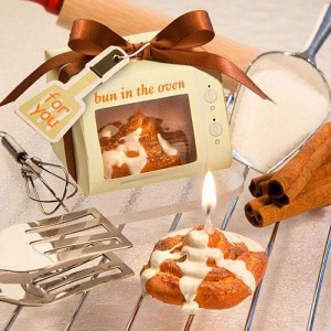 """Bun In The Oven"" Cinnamon Bun Candle Favors wedding favors"