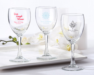 Personalized Wine Glass 8.5 oz wedding favors